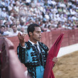 Bullfighter Luis Bolivar picking up the sword to kill the bull in the Bullring of Baeza — Stock Photo