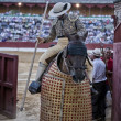 Picador bullfighter going out of bullring on having finished its work in spectacle in Baeza — Stock Photo #37547883