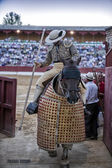 Picador bullfighter going out of the bullring on having finished its work in the spectacle in Baeza — Stock Photo
