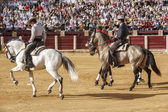 Spanish bullfighters on horseback Leonardo Hernandez, Fermin Boh — Stock Photo
