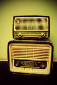Antique radio on vintage background — 图库照片