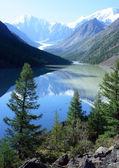 Mountain Altai. Lake Maashej. — Stock Photo