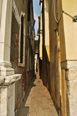 Small Narrow Street in Venice — Stock Photo