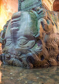 Medusa Head in the Basilica Cistern,Istanbul — Stock Photo