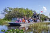 Tourists on airboat,Everglades - Miami — Stock Photo