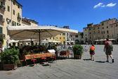 LUCCA, ITALY - Piazza Anfiteatro — Stock Photo