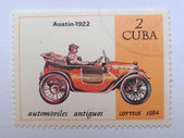 CUBA - CIRCA 1984: A stamp printed in Cuba shows a vintage car, which was produced by Austin Company in 1922. — Foto Stock