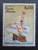 GUINEA BISSAU - CIRCA 1985: Stamp printed in GUINEA BISSAU shows a sailing ship Santa Maria, circa 1985 — Stockfoto