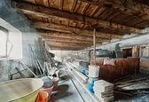 Eski ahır depolama oda ışık ışınları — Stok fotoğraf