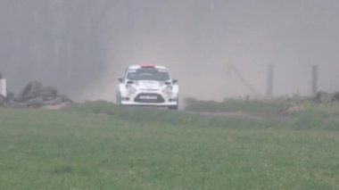 Rally car in the fog — Vídeo Stock