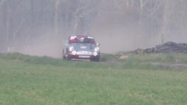 Rally car in the fog — Stockvideo