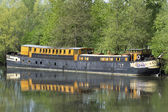 Old barge for habitation on the river Somme — Stock Photo