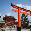 Giant torii gate in front of the Romon Gate at Fushimi Inari Shr — Stock Photo