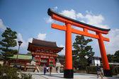 Giant torii gate in front of the Romon Gate at Fushimi Inari Shr — Stock Photo