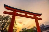 Fushimi inari-taisha temple, la porte principale au coucher du soleil — Photo