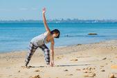Woman has morning gymnastic — Stock Photo