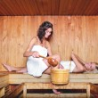 Frauen in der sauna — Stockfoto
