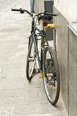 Rower na ulicy — Zdjęcie stockowe