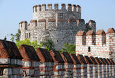 Yedikule Castle Byzantine walls in Istanbul, Turkey — Stock Photo