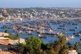 Fishing boats in the bay of Mui Ne, Vietnam — Stock Photo