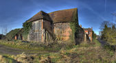 Warwickshire hay barn — Stock Photo
