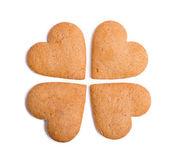 在白色背景上孤立的姜饼心 — 图库照片