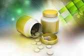 薬瓶や錠剤 — ストック写真