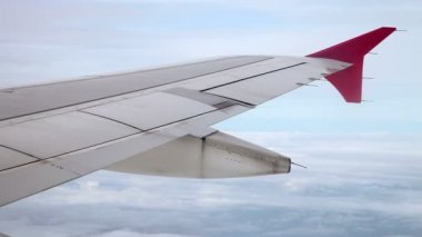 Wing passenger aircraft in flight from the window — Stock Video