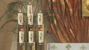 Candles in church — Stock Video