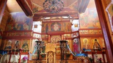 Interno della chiesa ortodossa — Video Stock