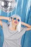 Dancing in the disco — Stockfoto
