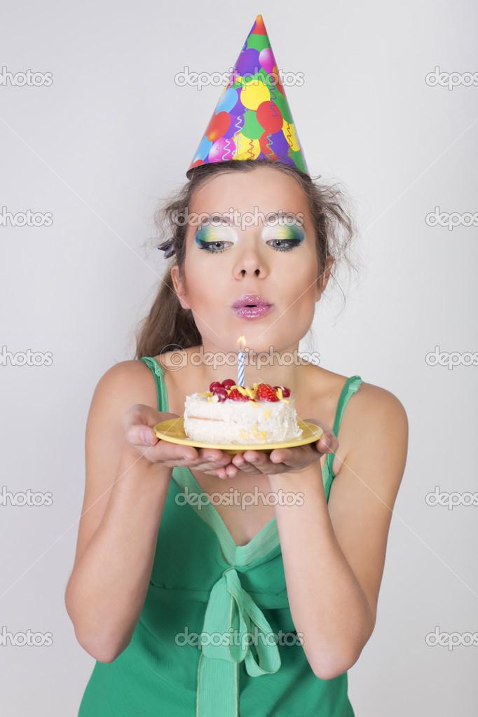 Фото девушки брюнетки день рождения