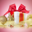 Gift box with bow — Stock Photo #39018709