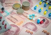 Медицина и деньги — Стоковое фото