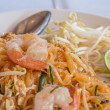 Foto de Stock  : Thai food Pad thai , Stir fry noodles with shrimp in pad thai st
