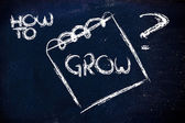 How to grow, message on memo on blackboard — Stock Photo