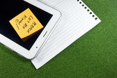 Digital Tablet with note pad and line papers — 图库照片