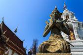 ángel tailandés en den wat ban, maetang chiangmai tailandia templo — Foto de Stock