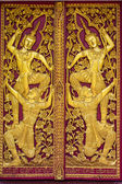 Ornament wooden door of Thai temple in Chiangmai, Thailand — Stock Photo