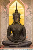 Phra maha jakkraphat Statue in ancient temple , Wat Chomphu — Stockfoto