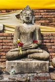 Buddha Statue , Old Chedi in Wat Phra That Hariphunchai — Stock Photo