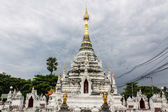 White pagoda in Thai temple in Pasang Lamphun — Stock Photo