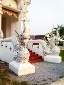 Arte tailandés, naka estatua en escalera — Foto de Stock