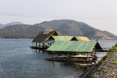 Houseboat in  Mae Ngad dam, Chiangmai Thailand — Stock Photo