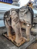 Elephant statue in Thai temple — Stock Photo