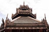 искусство верхушки гейбл в тайский храм — Стоковое фото