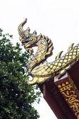 апекс гейбл реки нага в тайский храм — Стоковое фото