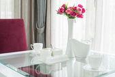 Set of tea cup on romantic table  — 图库照片