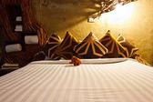 Moderní ložnice v hotelu — Stock fotografie