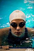 Swimmer in swimming pool — Stockfoto
